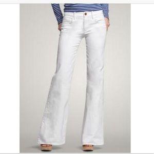 Gap white curvy flare jeans sz 4